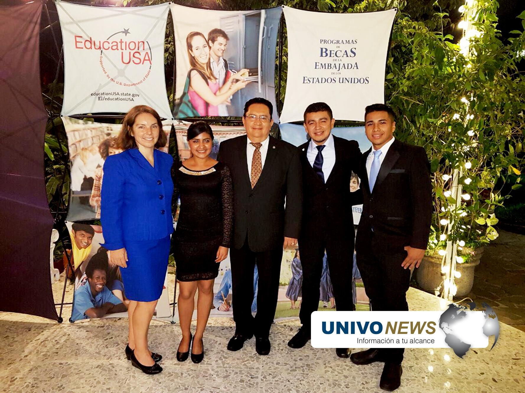 Photo of Estados Unidos beca estudiantes UNIVO
