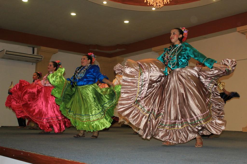 Photo of Honduras y El Salvador danzaron al ritmo de sus culturas