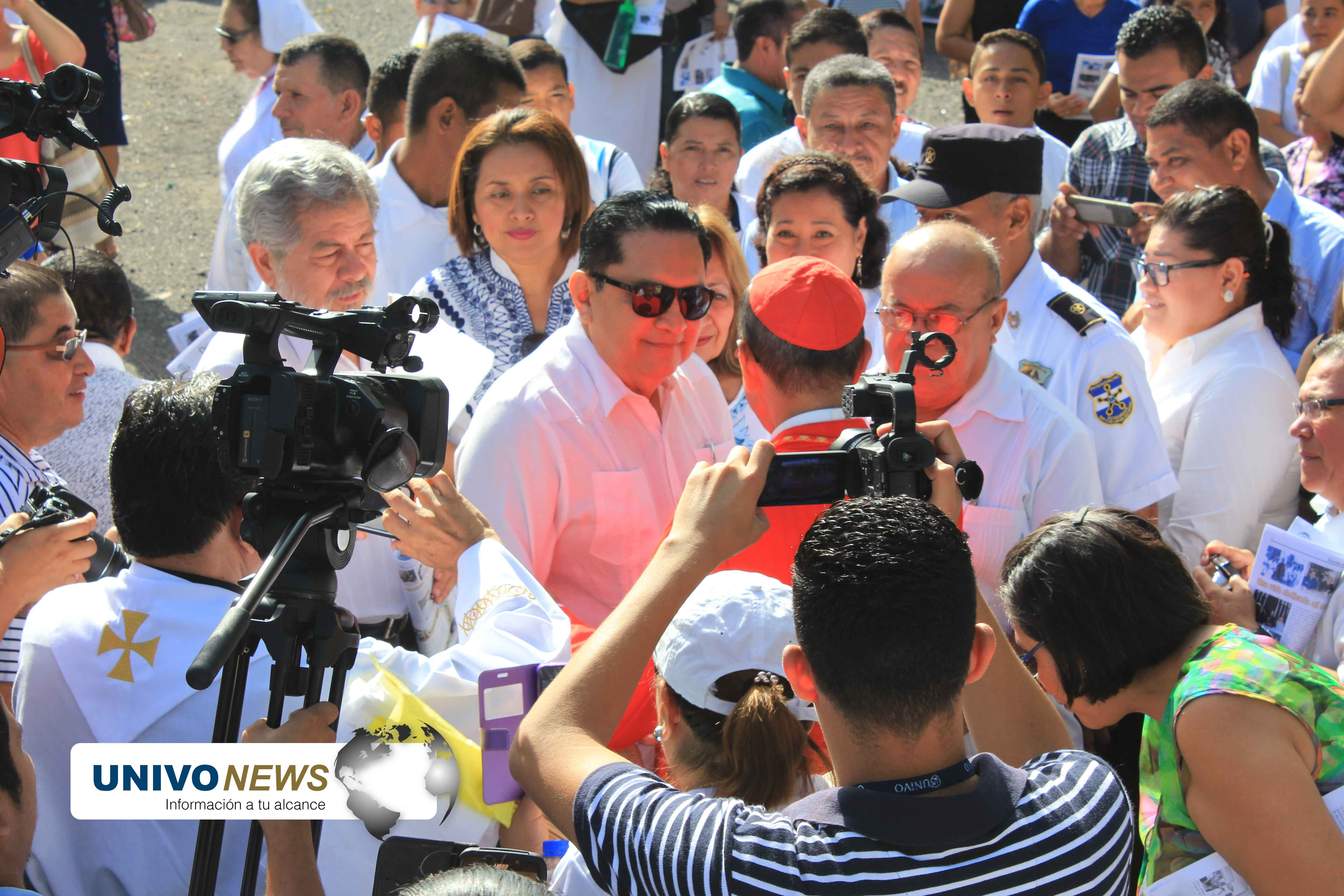 Photo of Cardenal es recibido en San Miguel