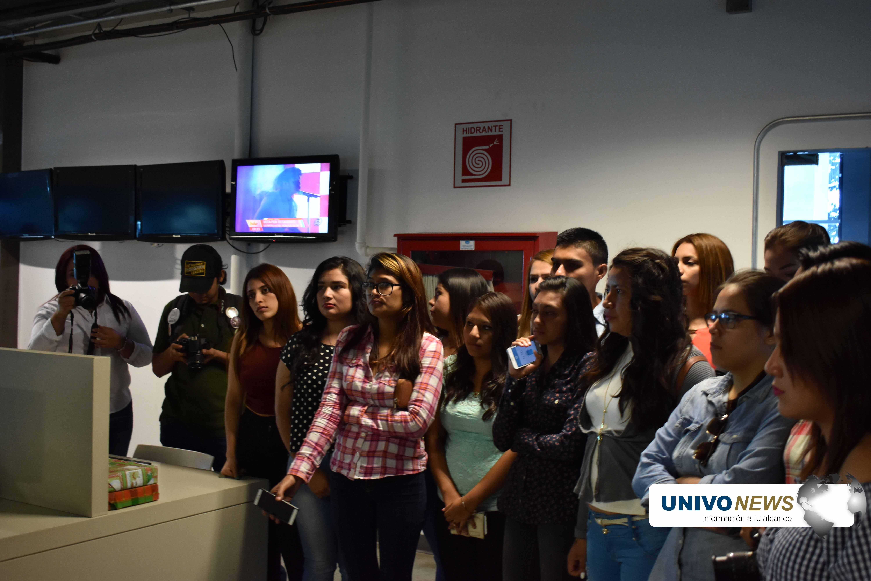 Canal 12 recibió a estudiantes UNIVO