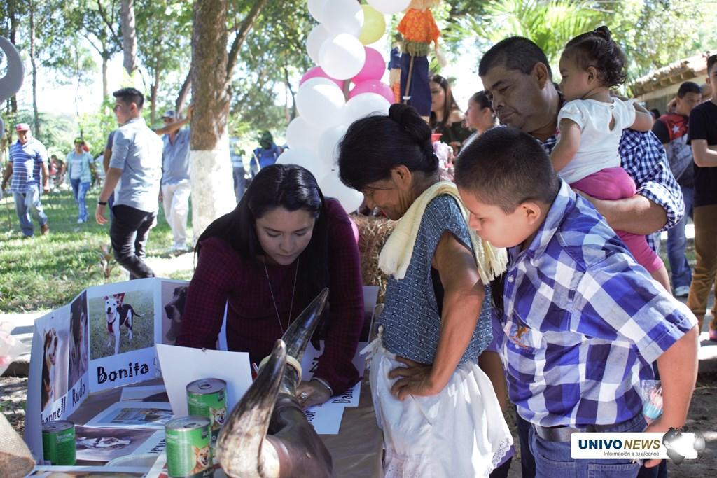UNIVO celebró feria agropecuaria