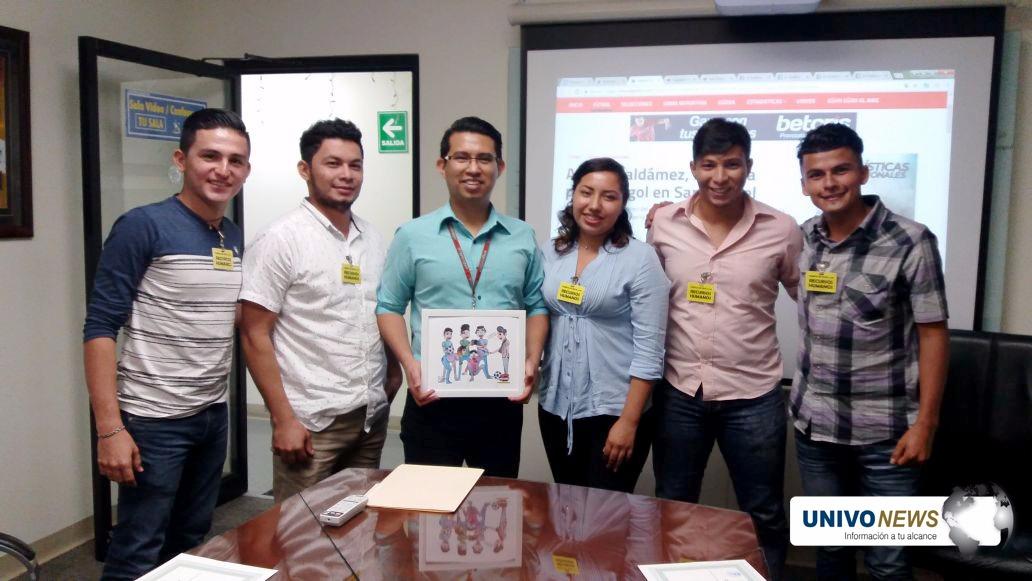 Estudiantes UNIVO compartieron en El Gráfico