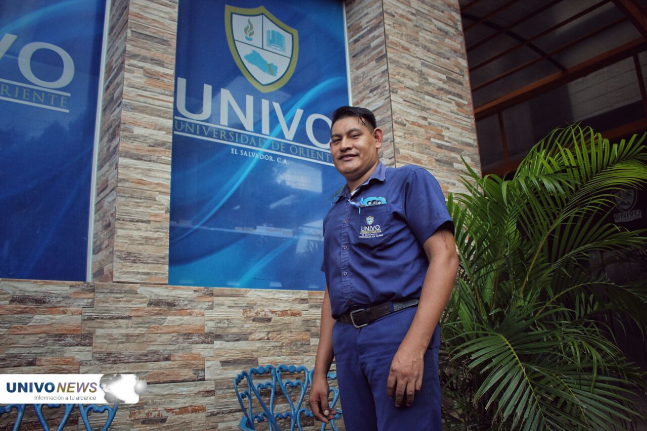"""Photo of """"El Chino"""" 16 años de laborar en la UNIVO"""