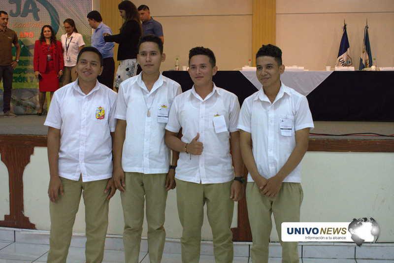 Estudiantes de Nueva Guadalupe ganan feria de emprendimiento