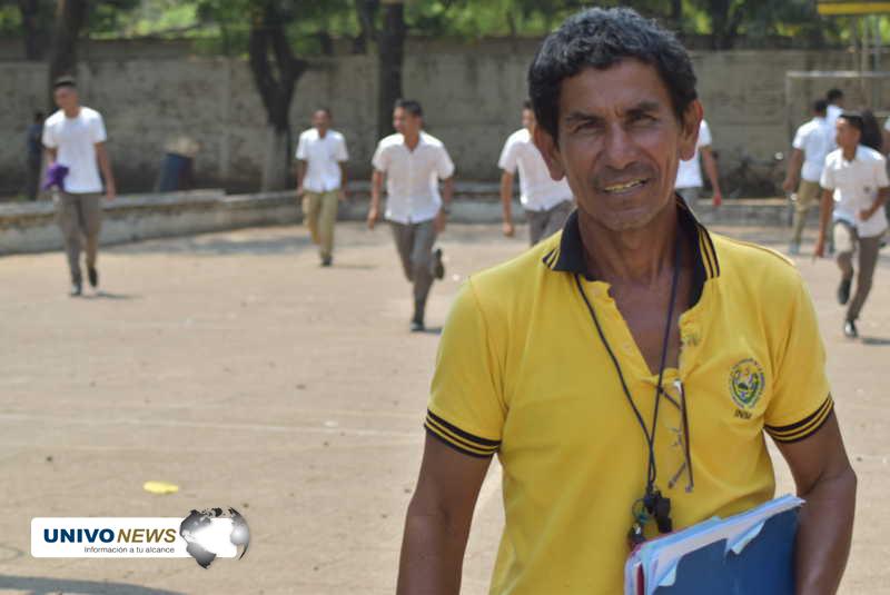 Photo of Profesor Melara:  de jugador de C.D. Águila a profesor y técnico