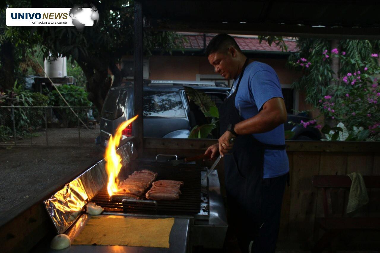 """""""Gigio"""" Muñoz: de los marcos del fútbol a la parrillada"""