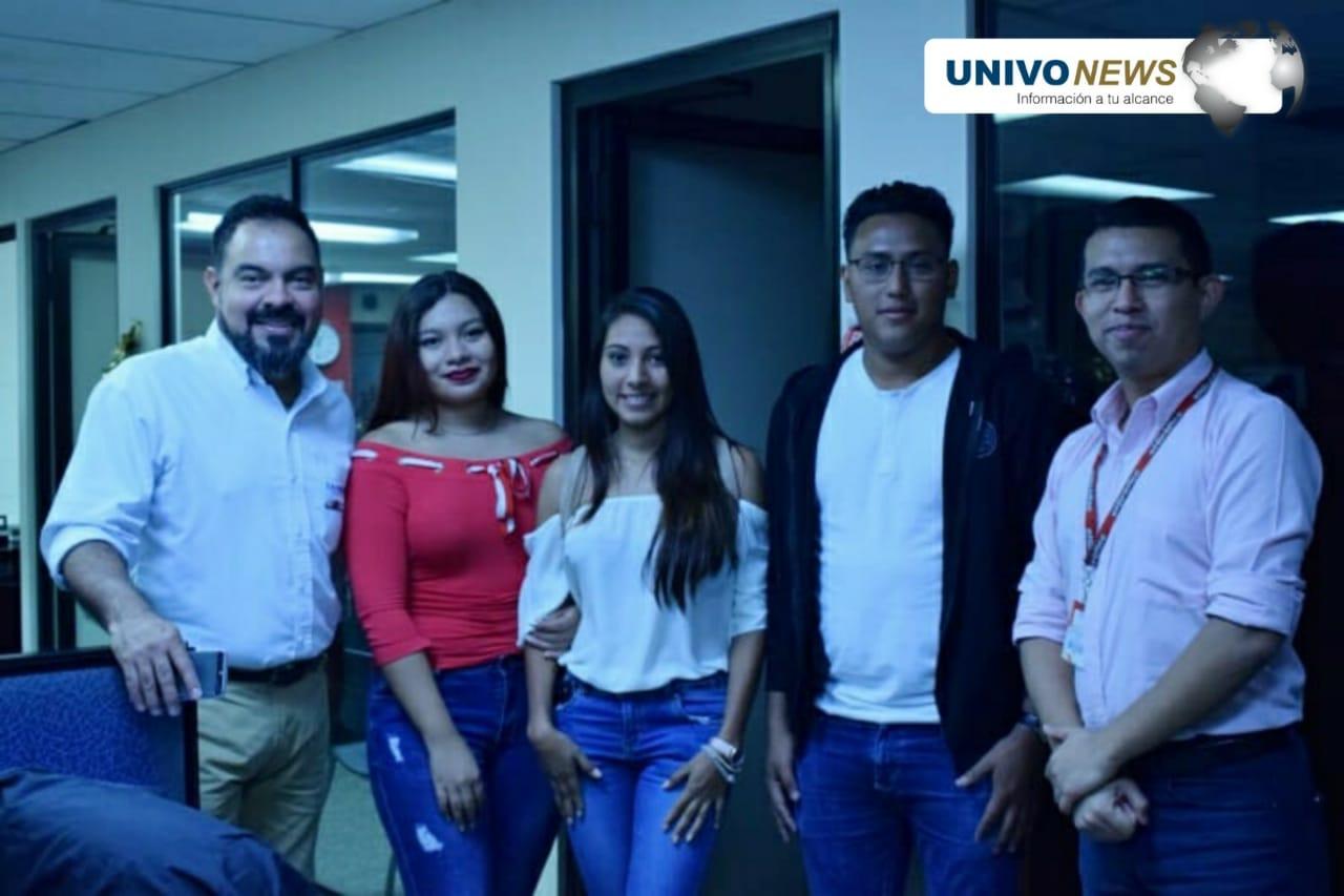 Pasantes UNIVO visitaron El Gráfico y La Prensa Gráfica