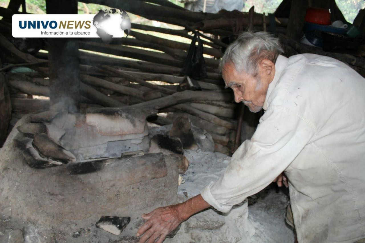 Photo of Cuatro adultos mayores en abandono