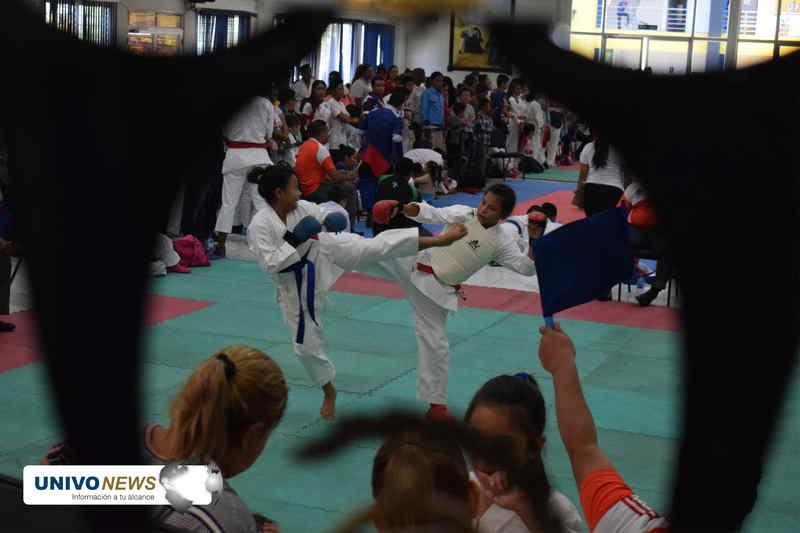 Campeones centroamericanos compitieron en Karate Do