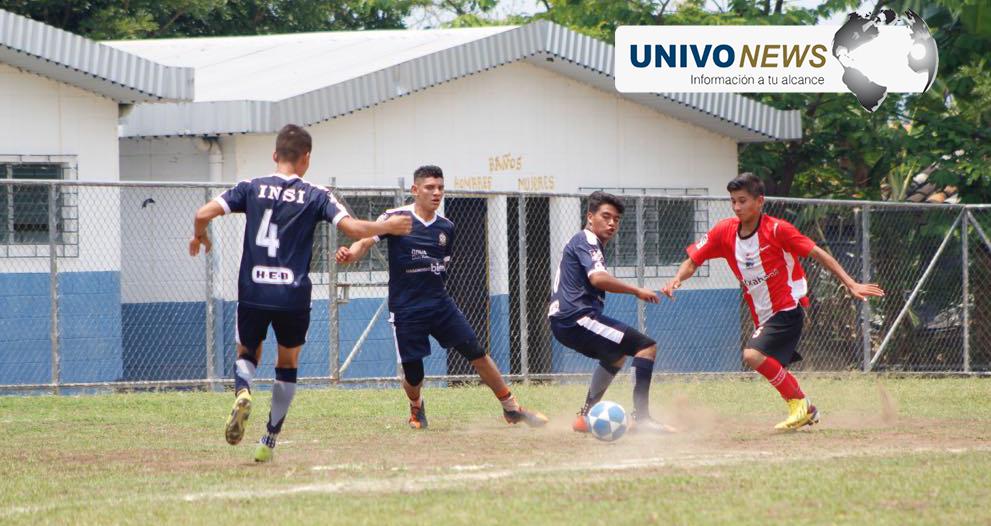#Fotogalería Fútbol estudiantil