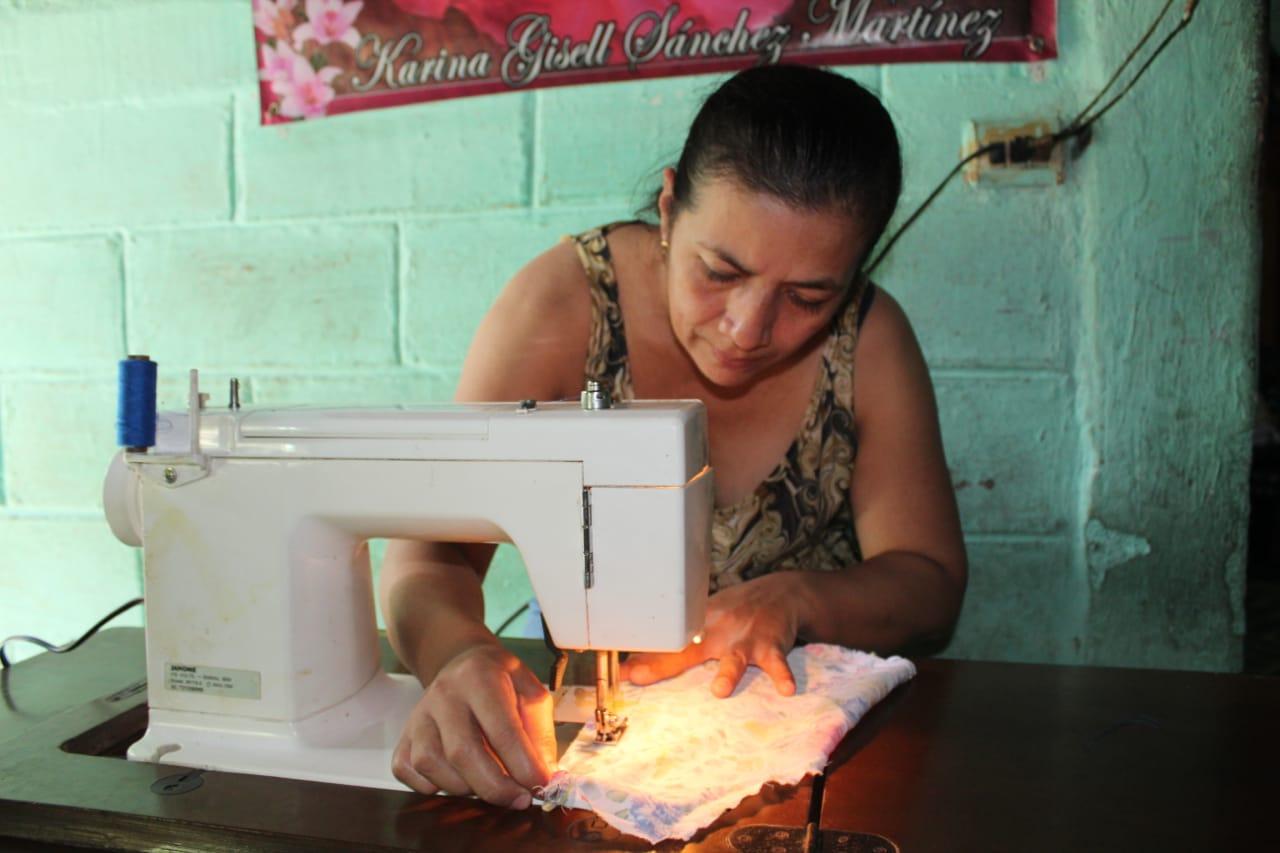 Electricista, costurera, artesana, mecánica y Técnica en Comunicaciones