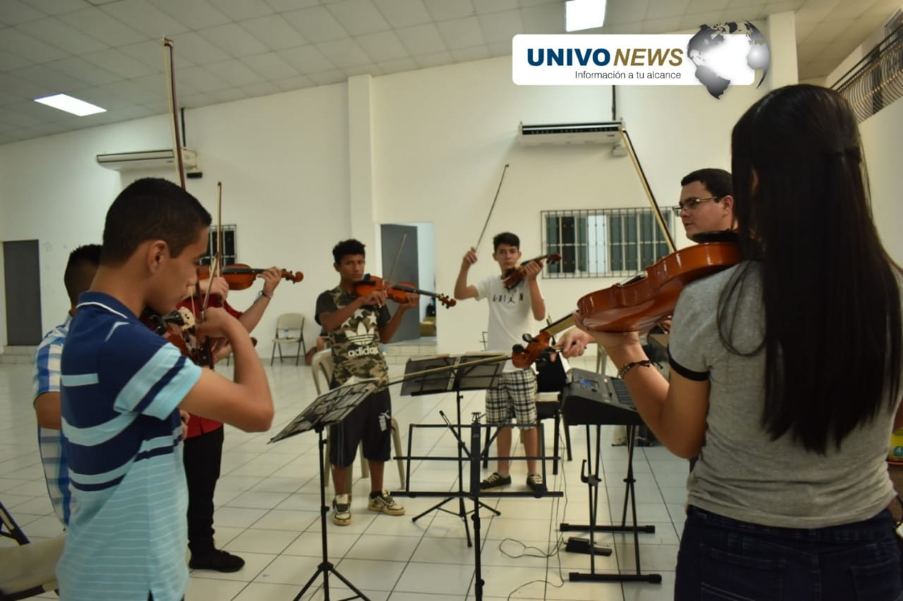 Ciudad Barrios vibró al ritmo del Cuarteto Sharberg