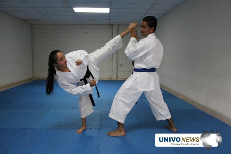 Una docena de medallas de oro para Karate do UNIVO