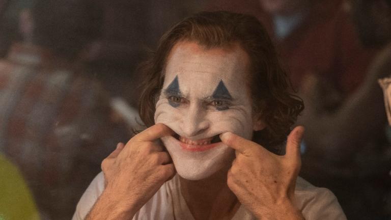 """Michael Moore: """"El miedo alrededor de Joker es una distracción para no ver la verdadera violencia que nos está desgarrando"""""""