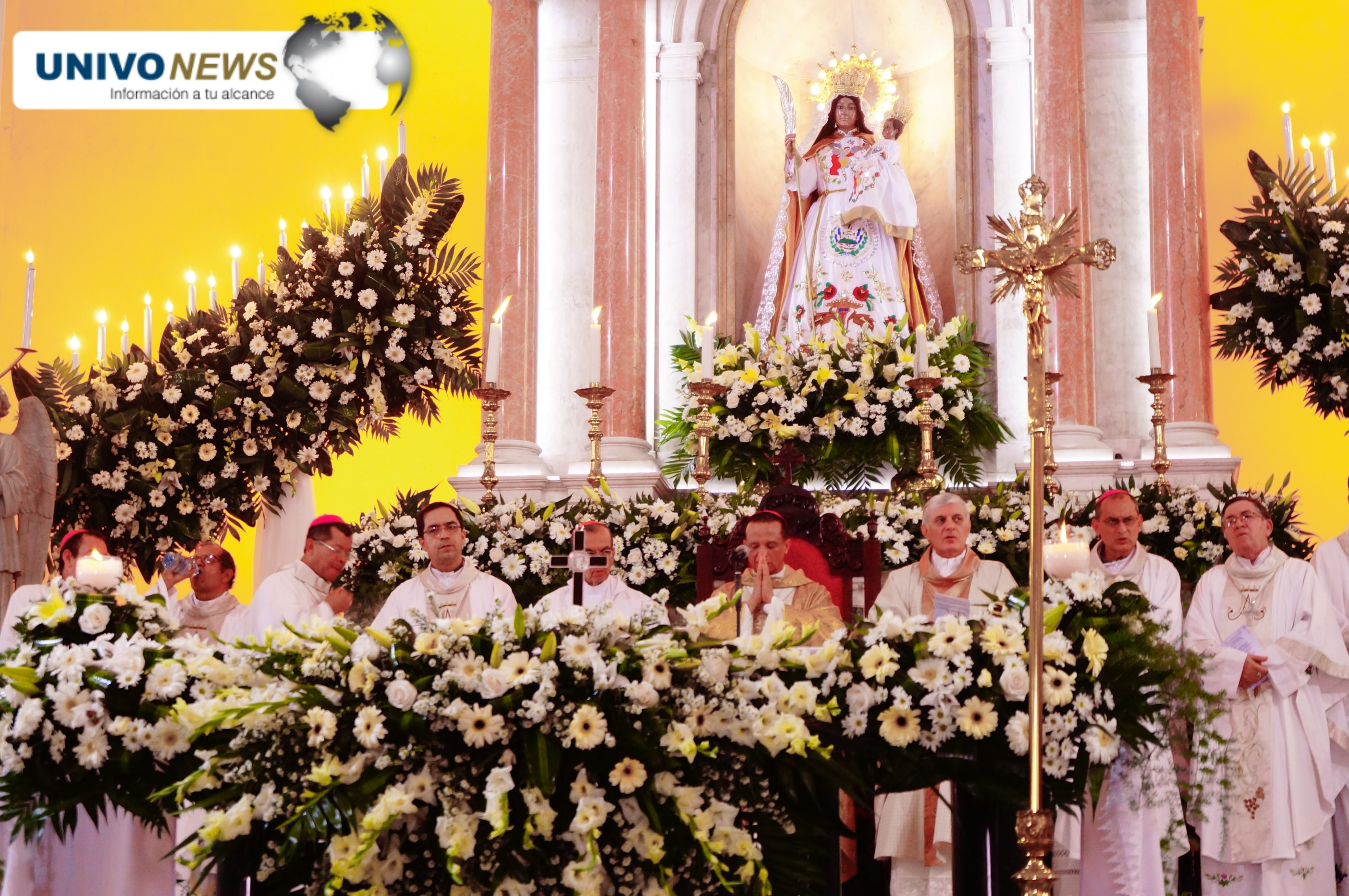 Photo of Galería de fotos de la misa ofrecida a la Virgen de La Paz