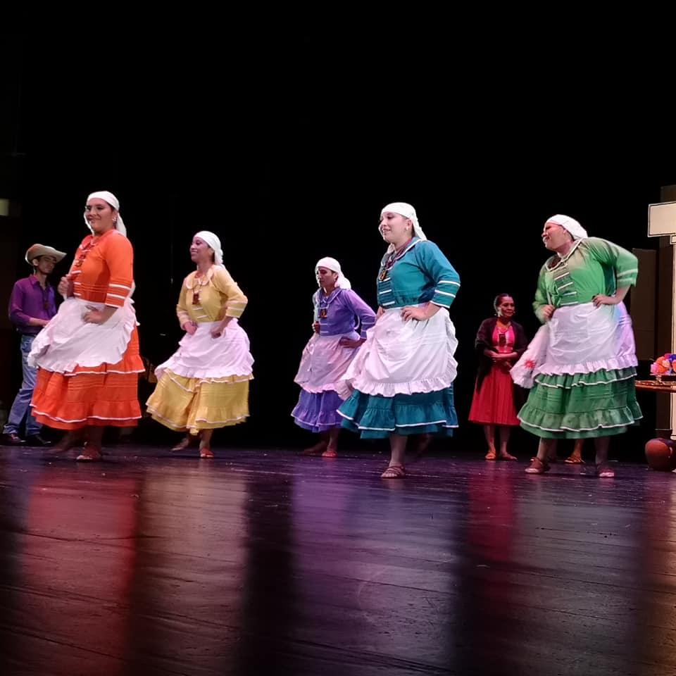 Photo of La Transculturación y el cambio en la vestimenta típica