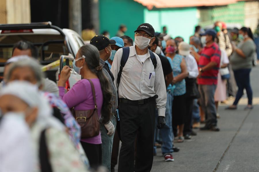 Photo of Confinamiento por COVID-19 en una sociedad salvadoreña desigual