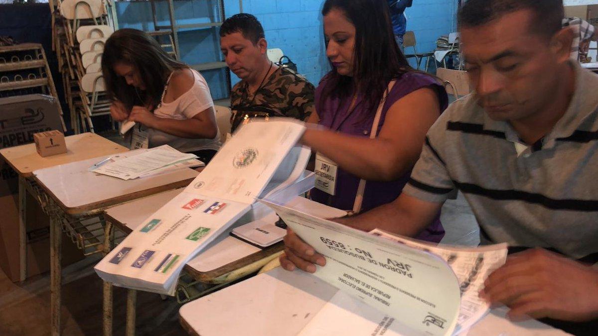 Photo of Abogada afirma que debe haber más participación ciudadana en temas políticos