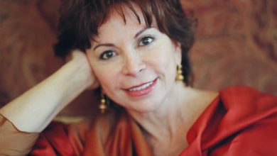 Photo of Isabel Allende, periodista y escritora latinoamericana