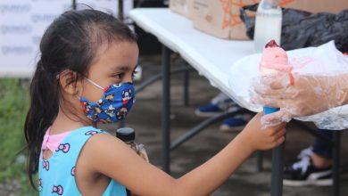 Photo of Alegría y golosinas para niños de la Milagro de La Paz