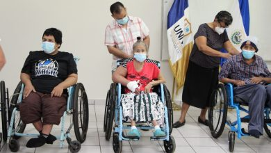 Photo of UNIVO y Asociación Caminamos entregaron sillas de ruedas