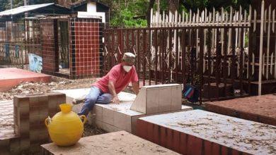 Photo of Un día para ganar algo de dinero limpiando tumbas