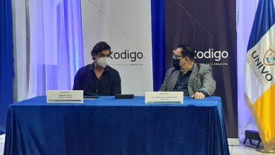 Photo of UNIVO firma convenio de cooperación con Academia de Tecnología Kodigo