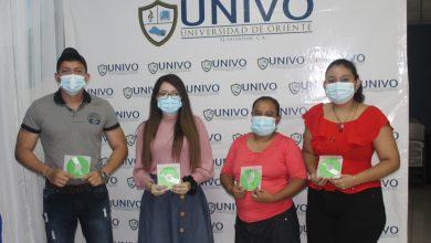 Photo of Comunicaciones UNIVO entregó fotografías a emprendimientos