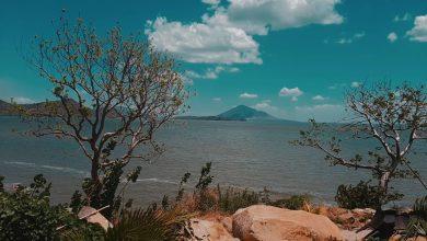 """Photo of """"Soberbios volcanes, apacibles lagos cielos de púrpura y de oro"""""""