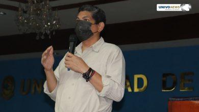 Photo of Yuri Cortez, fotoperiodista de AFP compartió su experiencia con estudiantes UNIVO